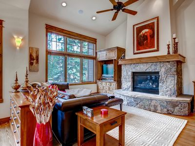 Photo for Beautiful home with claw foot tub, private hot tub close to everything!