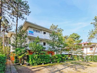 Photo for 2 bedroom Apartment, sleeps 5 in Lignano Sabbiadoro with WiFi