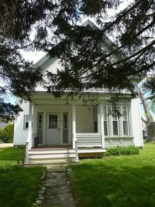 Photo for Apartment, Charming 110 Yr Old House, 15 min walk to town, lic:STR19-15
