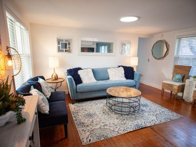 Photo for Charming 1950s Beach Cottage Apt B