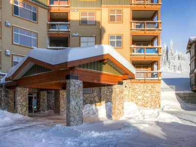 Photo for Elegant Aspens residence looking up  the ski run with private hot tub