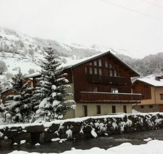 Photo for Apartment in Chalet 8 people-ski area 3 Valleys-200m chairlift