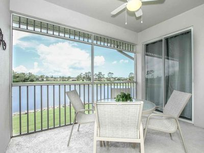 Photo for Renovated GreenLinks/Lely Condo-Free Golf w/cart rental, Amazing Views! Resort Amenities Near Beach