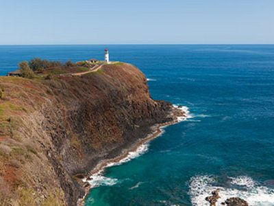 Photo for 2,700-foot cliffs plummet to clear coral waters!