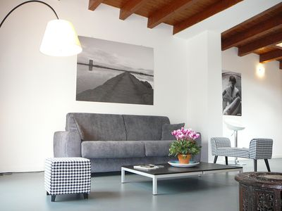Photo for Lovely penthouse with terrace in the heart of Palermo