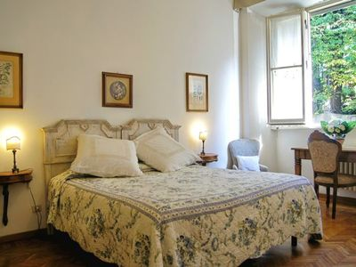 Photo for Elegant and very spacious, walking distance from Piazza del Duomo, all comforts, terrace, free wi-fi