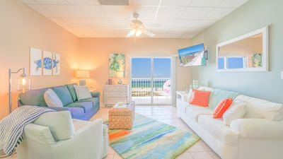 Photo for Gorgeous and Spacious Oceanfront Condo with Covered Parking and Pool!