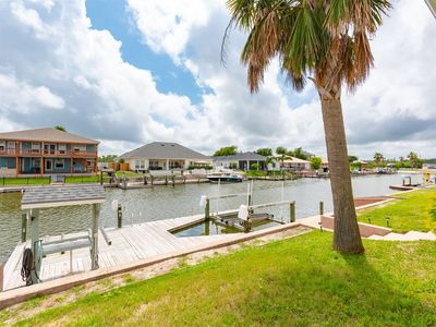 Photo for Beautiful single story canal home in Bahia Bay near Estes Flats and Redfish Bay!