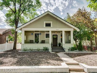 Photo for 1910 Mountain View, Fire pit + Roof deck, Downtown