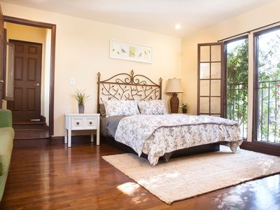 Photo for Close to Downtown Hotel Style Room 8.1 - Studio Apartment, Sleeps 2