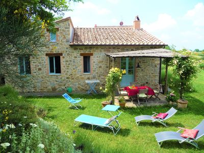 Photo for Charming Tuscan holiday home, quiet, relaxing location, great views