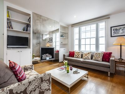 Photo for Spacious Stunning Kenway Road House apartment in Kensington & Chelsea with WiFi & private terrace.