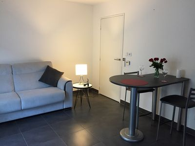 Photo for Nice Port - Nice 2P new, air conditioned, last floor elevator, balcony gd, parking