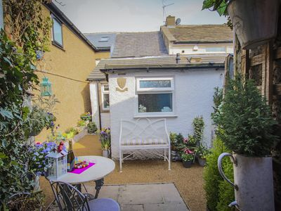 Photo for 'Oh So Snug' Bijou 1-bedroom cottage, in the heart of Whalley, Clitheroe