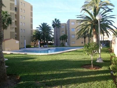 Photo for 3 bedroom apartment for 6 people with pool and tennis court.
