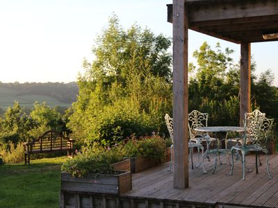 Photo for A charming family- and pet-friendly cottage - a short drive away from the coast