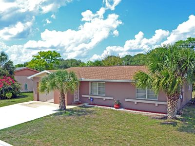 Photo for Enjoy the Warm Mineral Springs Vacation Rental Home of North Port, Florida
