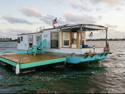 Photo for Artsy Houseboat wake up on the water in Key West