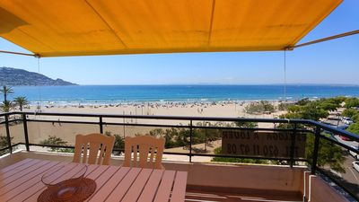 Photo for APARTMENT in FIRST LINE OF SEA - Beach at 5 meters - WI · FI - CLIMATIZADO
