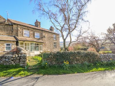 Photo for PROSPECT HOUSE, pet friendly, with open fire in Leyburn, Ref 1004762