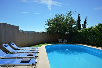 Private swimming pool 8x4,5m. The villa is on a hill at 150 meters high.