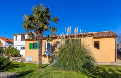 Photo for Nice holiday home with washing machine, air conditioning, WiFi, terrace and grill