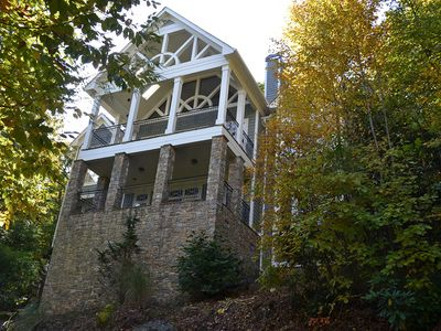 Photo for Beautiful Home in Highlands CC Area- 2.5 Miles from Downtown
