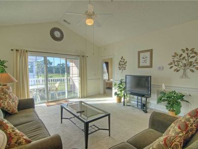 Photo for Magnolia North 301-4877 offers outdoor pool, wifi, washer/dryer and a great location.