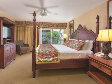Beachfront Resort on 8 Acres Next to the Coconut Marketplace w/ Outdoor Pool, Oceanfront Resort Hot Tub & More - Two Bedroom WVR