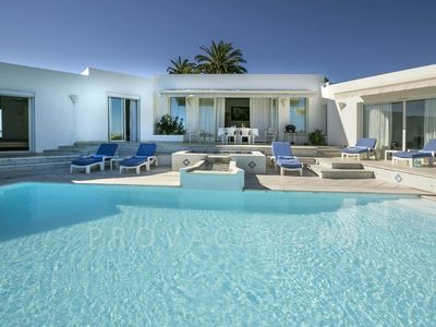 Photo for Villa with pool and sea view in Villeneuve-Loubet