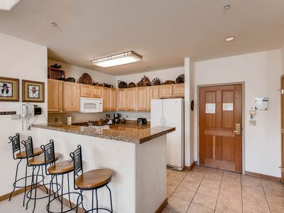 Photo for One of a kind 4Br Condo~Gateway 5039 - Kids Ski Free!