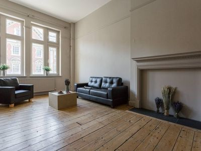 Photo for Stunning 3BR Apartment Next to Tower Bridge