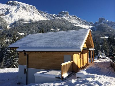 Photo for Modern Chalet 'Mountain Dream' right in the Dachstein-West