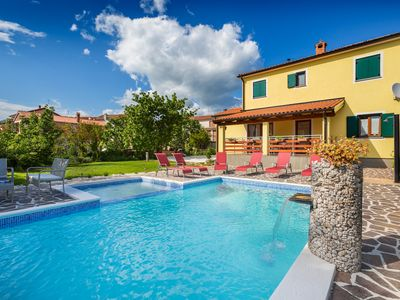 Photo for Stylish villa with pool - Villa Vanja