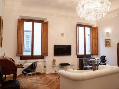 Photo for Apartment in the center of Florence with Internet, Air conditioning, Lift, Washing machine (358238)