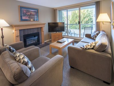 Photo for Spacious True Slopeside Ski In, Ski Out at the Woodrun Lodge - 2 BR + Den Slopeside Condo w/ Pool + Hot Tub (Unit 311)
