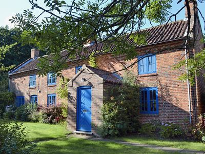 Photo for 5 bedroom accommodation in Hindolveston, near Holt