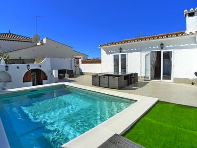 Photo for Detached Holiday Villa with private heated pool, wifi, air con, close to town