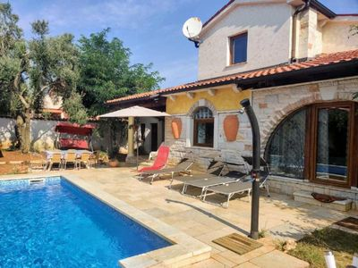 Photo for Holiday house Ližnjan for 8 persons with 5 bedrooms - Holiday house