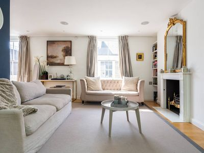 Photo for Fantastic 5bed house in Kensington near museums!