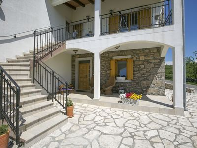Photo for Apartment in Labin with terrace, garden and panoramic views 4.5 km from the beach