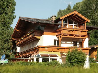 Photo for Spacious and cozy apartment within walking distance of the lake of Zell am See.