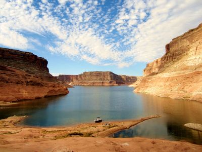 Photo for Newly remodeled; view the Vermillion Cliffs-Pet friendly boat parking, 3/2