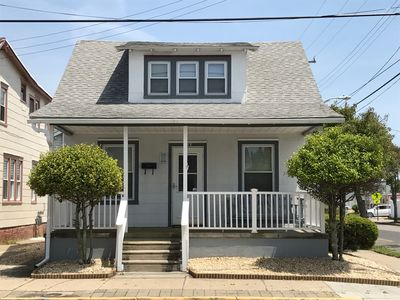 Photo for Pet Freindly Beach Block, Four Bedrooms- Sleeps 12.