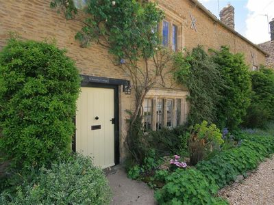 Photo for CLEEVELEY COTTAGE, family friendly in Burford, Ref 988786
