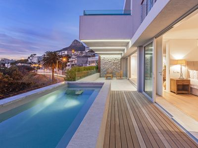 Photo for Apartment Uitzicht Two in Camps Bay