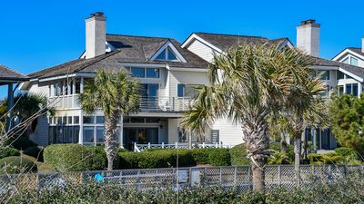Photo for Cozy Oceanfront Villa where you and your Family can enjoy the Sun, Swim, and Relax