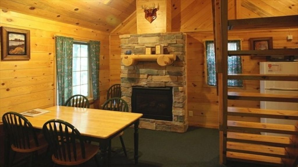 Tranquil Northwoods Cabin on Moose Lake Family Fun Hayward