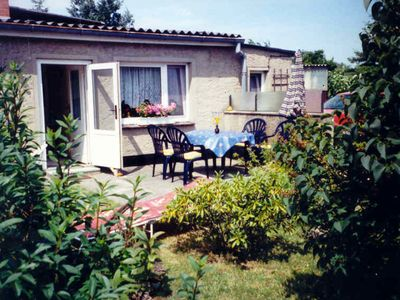 Photo for Cosy, semi-detached one-room bungalow with large garden