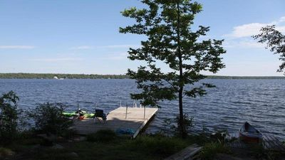 "Photo for Cottage - Traditional 4BR On Clear Lake ""Clear Reflections"""